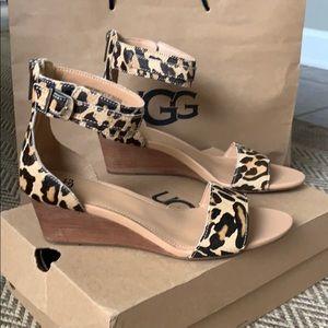 NIB UGG Leopard wedge Sandal